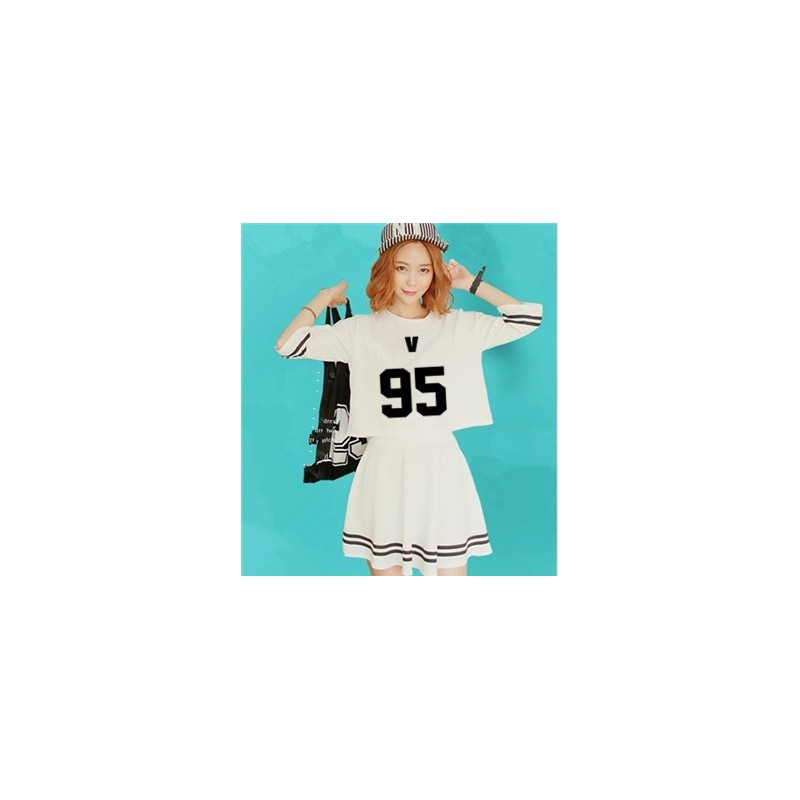 BTS-Ensemble Crop Top + Jupe - V 95