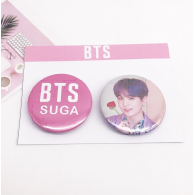PACK 2 BADGES BTS - SUGA (BTS) - MODEL 2