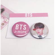 PACK 2 BADGES BTS - J-HOPE (BTS) - MODEL 2