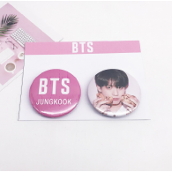 PACK 2 BADGES BTS - JUNGKOOK (BTS) - MODEL 1